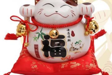 """Bật mí thú vị về """"chú mèo thần tài"""" Maneki Neko Nhật Bản"""