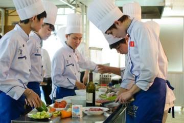 Đổ xô đi du học Nhật Bản ngành nấu ăn