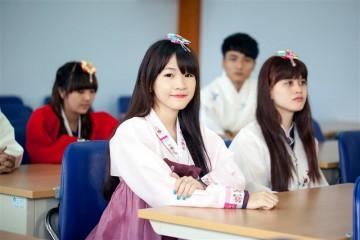 Bị viêm gan B, mắt cận thị có đi du học Hàn Quốc tự túc được không?