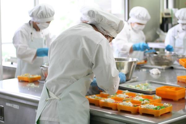 Đơn hàng đóng gói cơm hộp Nhật Bản
