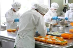 Chế biến cơm hộp Nhật Bản